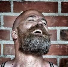 calvos con barba larga